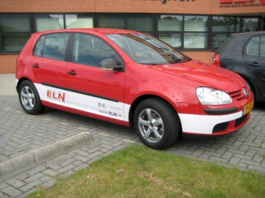../../zzauto/autostriping/autostriping-viperstripes_plotpunt_reclame_belettering_stickers__24.JPG