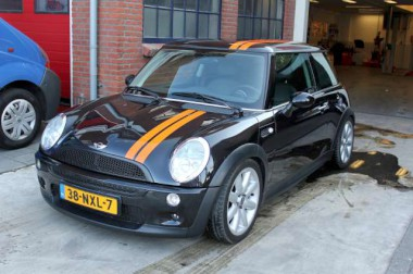 ../../zzauto/autostriping/autostriping-viperstripes_plotpunt_reclame_belettering_stickers__34.jpg